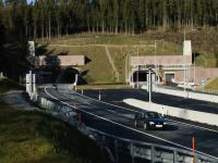 Weströhre Südportal, Ausfahrt aus dem Tunnel Richtung Linz