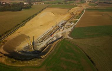 Luftaufnahme der Baugrube